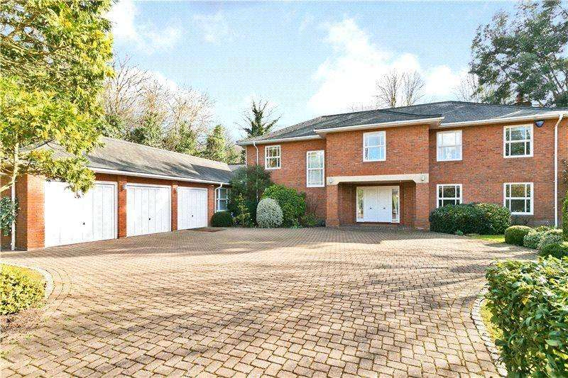 5 Bedrooms Detached House for sale in Penates, Littleworth Common Road, Esher, Surrey, KT10