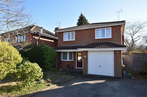 4 Bedrooms Detached House for sale in Beehive Lane, Binfield, Berkshire