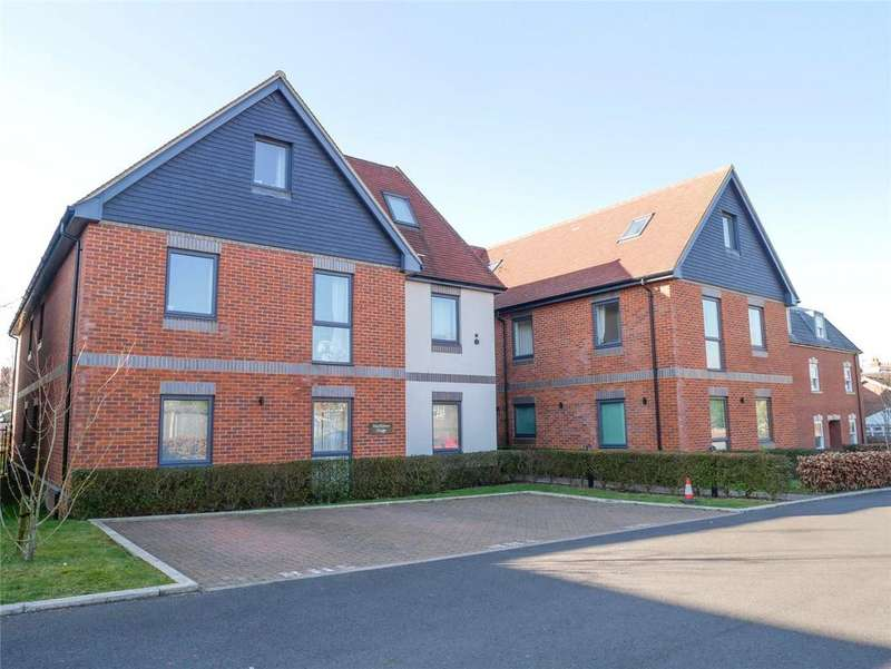 2 Bedrooms Flat for sale in Mayflower House, Rockingham Road, Newbury, Berkshire, RG14