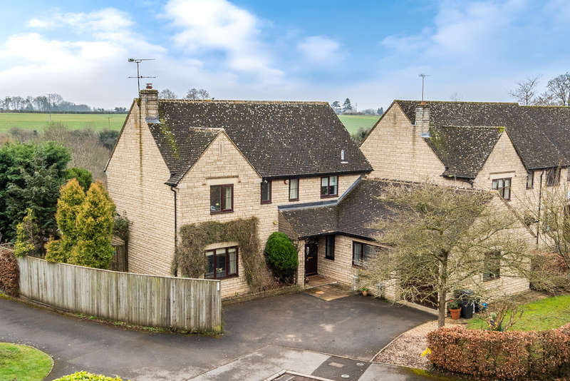 5 Bedrooms Detached House for sale in Springfields, Tetbury