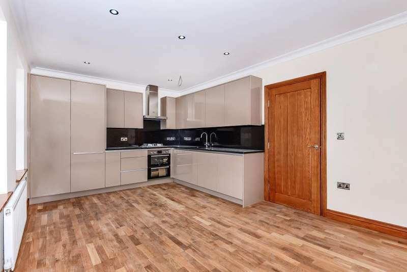 2 Bedrooms Flat for sale in Caversham Road, Reading, RG1