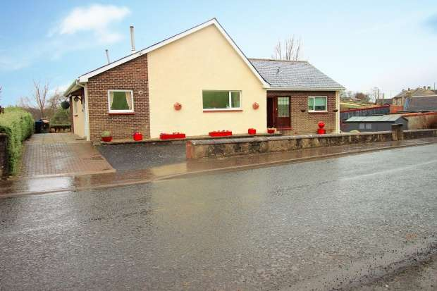 4 Bedrooms Detached Bungalow for sale in Manse Road, Ayrshire And Arran, Ayrshire, KA18 3SA