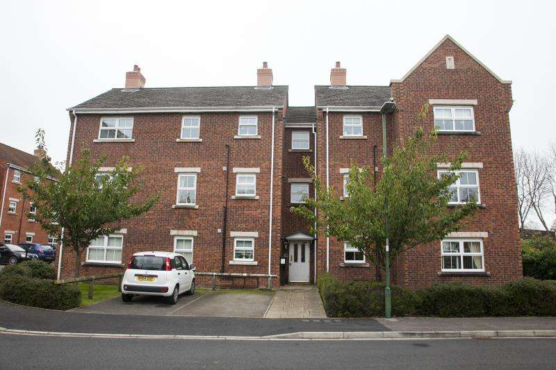2 Bedrooms Flat for sale in Bouch Way, Barnard Castle, Co Durham