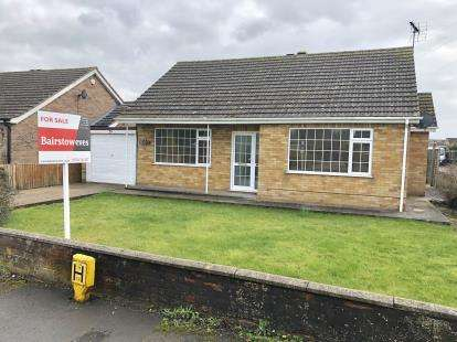 2 Bedrooms Bungalow for sale in Storeys Lane, Burgh le Marsh, Skegness, Lincolnshire