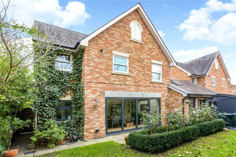 3 Bedrooms Detached House for sale in St. Agnes Cottages, Halfpenny Lane, Sunningdale, Berkshire, SL5