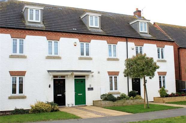 3 Bedrooms Town House for sale in Freshman Way, Market Harborough, Leicestershire