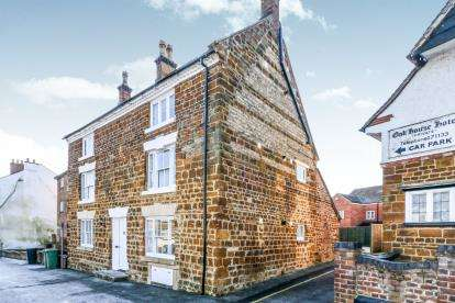 Detached House for sale in Broad Green, Wellingborough