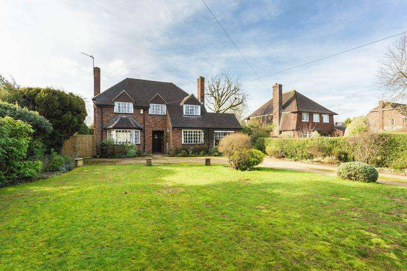 4 Bedrooms House for sale in Parsonage Lane, Farnham Common, Buckinghamshire SL2