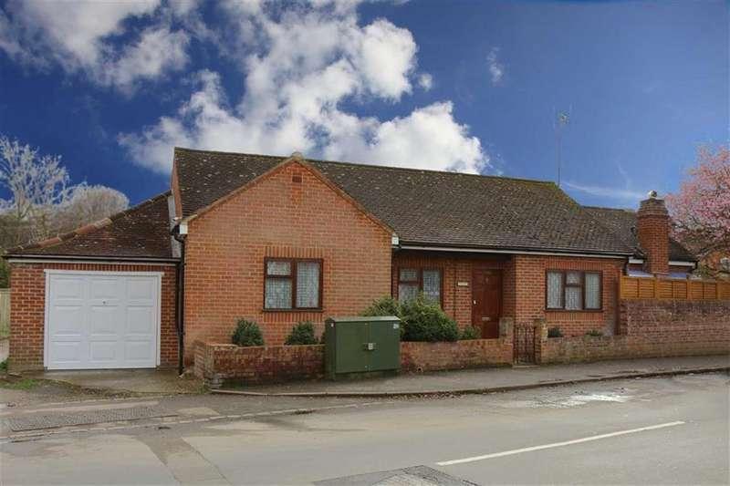 3 Bedrooms Bungalow for sale in Amersham Road, Caversham, Reading