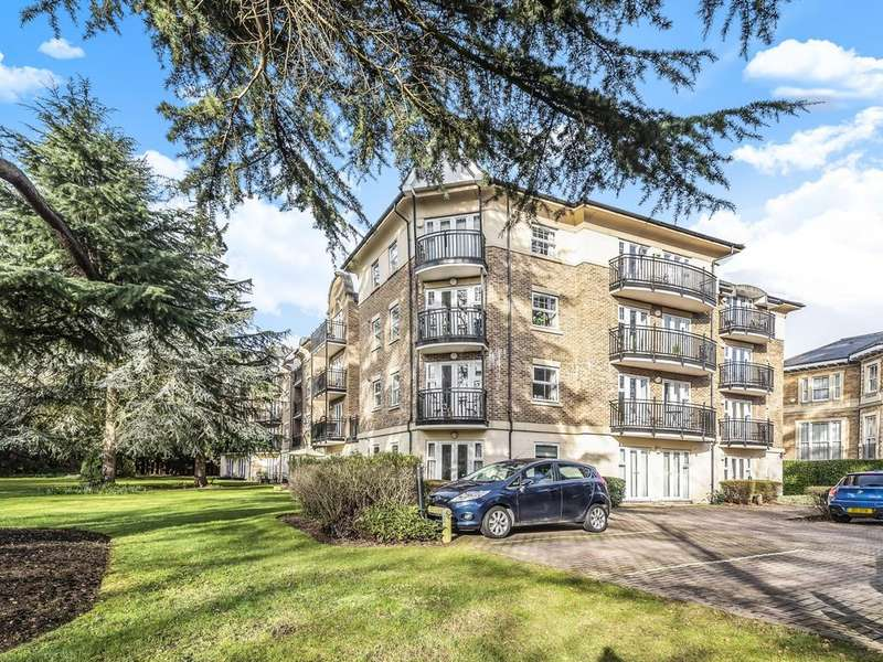 2 Bedrooms Apartment Flat for sale in The Huntley, Carmelite Drive, Reading, RG30