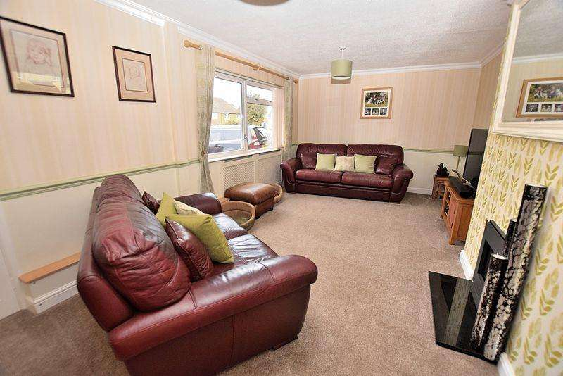 4 Bedrooms Detached House for sale in DOUBLE GARAGE and great ANNEX possibilities...
