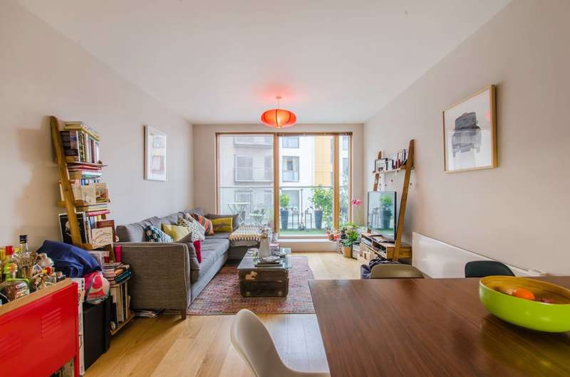 2 Bedrooms Flat for sale in Crampton Street, SE17, Elephant and Castle, SE17