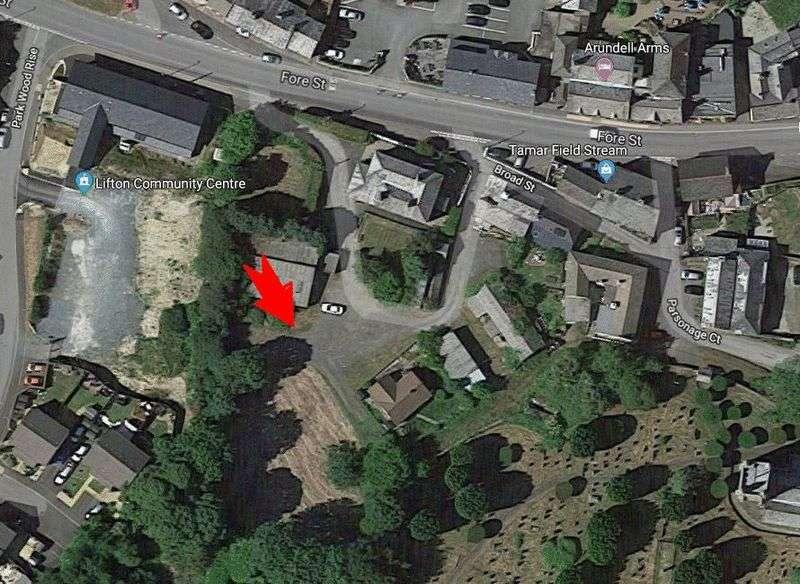 Property for sale in Lifton, Devon