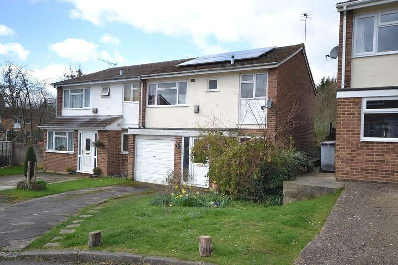 3 Bedrooms Semi Detached House for sale in Holyrood Close, Caversham Park, Reading