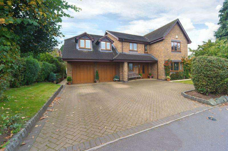 5 Bedrooms Detached House for sale in Old Weston Road, Bishops Wood, Stafford