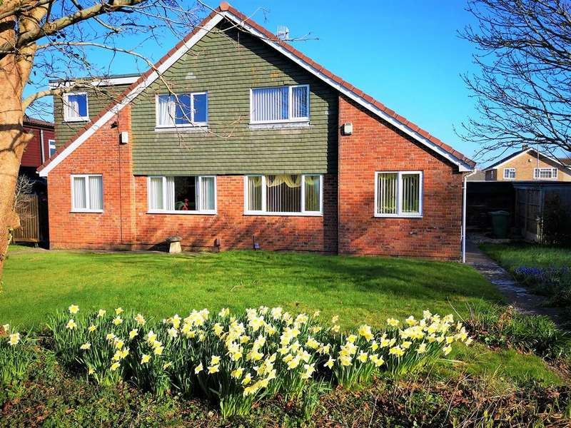 3 Bedrooms Semi Detached House for sale in Moreton Close, Whitchurch