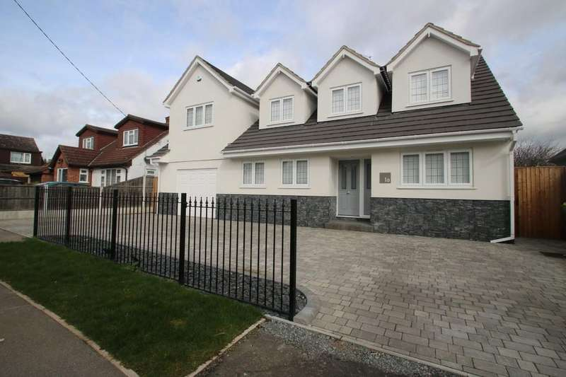 5 Bedrooms Detached House for sale in Thorpe Road, Hawkwell