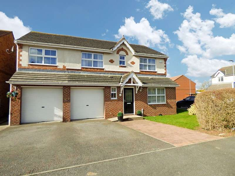 4 Bedrooms Property for sale in Chillingham Grove, Peterlee, Peterlee, Durham, SR8 1QJ