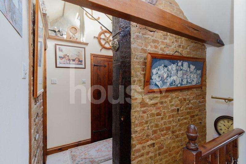4 Bedrooms Detached House for sale in Elm Lane, Minster on Sea