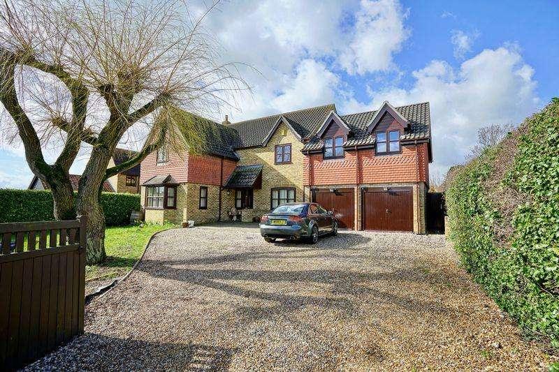 5 Bedrooms Detached House for sale in Low Road, Little Stukeley, Huntingdon.