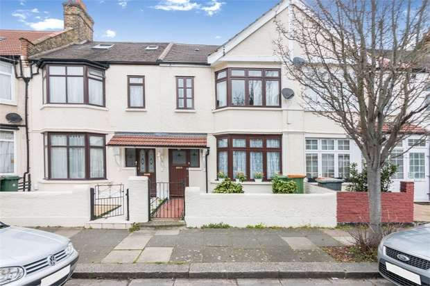 4 Bedrooms Terraced House for sale in Cotswold Gardens, East Ham, London