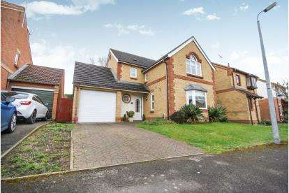 3 Bedrooms Detached House for sale in The Chilterns, Leighton Buzzard, Beds, Bedfordshire
