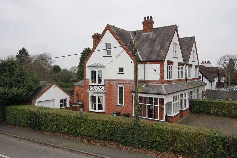 6 Bedrooms Semi Detached House for sale in The Broadway, Woodhall Spa