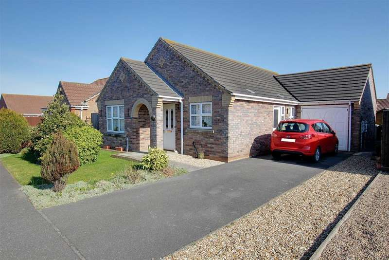 3 Bedrooms Detached Bungalow for sale in Faldos Way, Mablethorpe