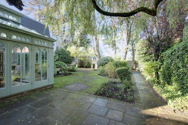 5 Bedrooms Detached House for sale in Hampstead Lane, Highgate Village, London, N6