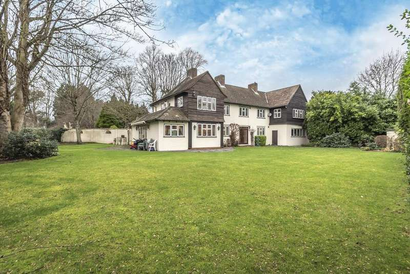 5 Bedrooms Detached House for sale in Leas Green, Chislehurst