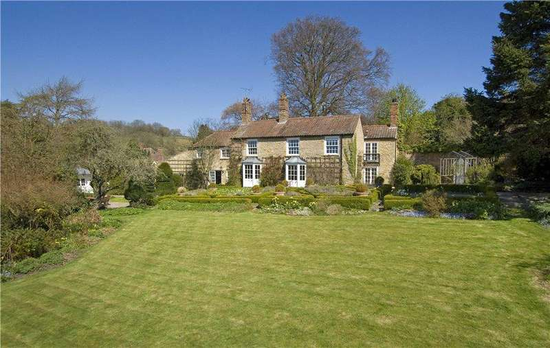 6 Bedrooms Detached House for sale in The Lodge, Ebberston, Scarborough, North Yorkshire, YO13