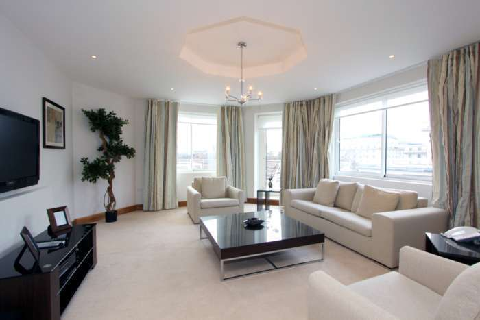 3 Bedrooms Apartment Flat for rent in Arlington Street, London, SW1