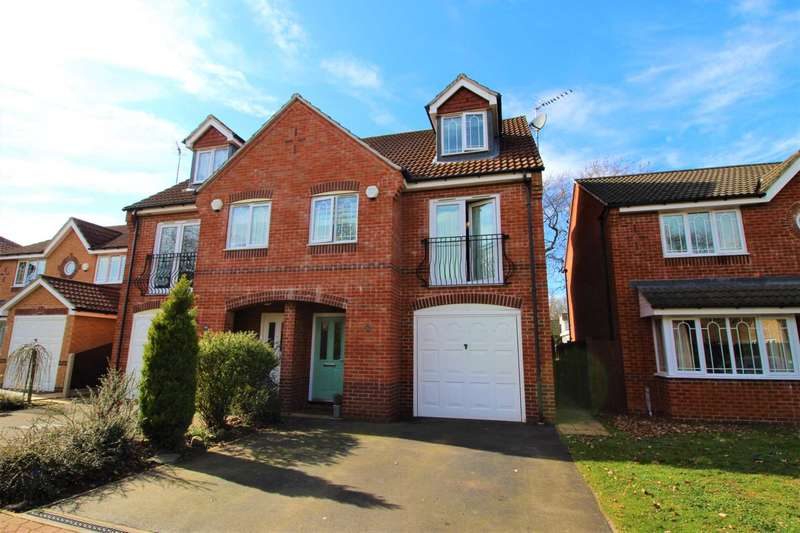 4 Bedrooms Semi Detached House for sale in Grandfield Way, North Hykeham, Lincoln, LN6 9NZ