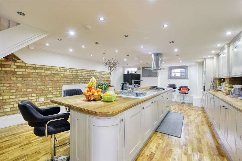 6 Bedrooms Terraced House for sale in Kingswood Road, London, E11
