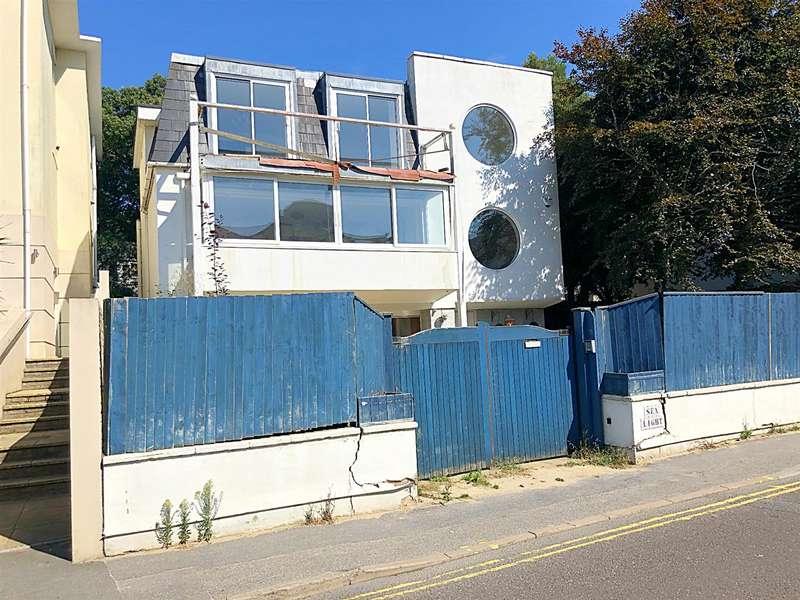 4 Bedrooms Detached House for sale in Shore Road, Sandbanks,Poole