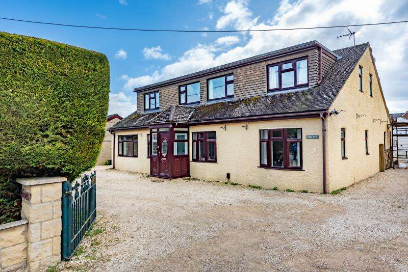 4 Bedrooms Detached House for sale in Penlea, Arkell Avenue, Carterton, Oxfordshire