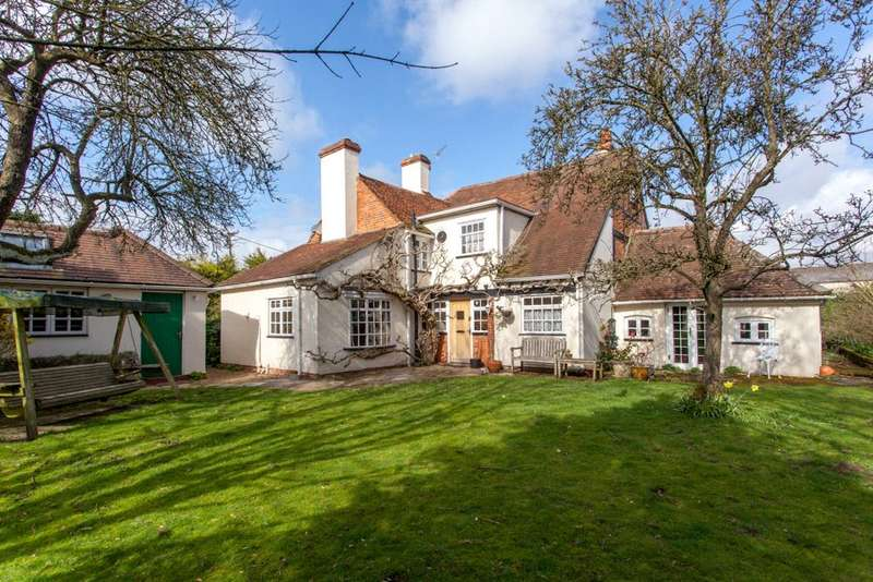 4 Bedrooms Detached House for sale in Church Road, Little Marlow, Buckinghamshire, SL7