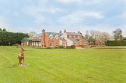6 Bedrooms Detached House for sale in Burgh Road, Friskney, Boston, Lincolnshire