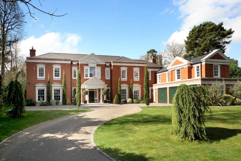 5 Bedrooms Detached House for sale in South Road, St. George's Hill, Weybridge, KT13