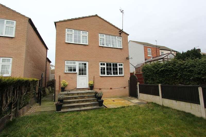 3 Bedrooms Detached House for sale in Prospect Road, Old Whittington, Chesterfield, Derbyshire, S41 9DL