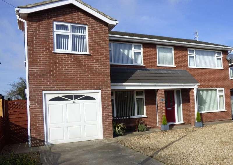 5 Bedrooms Detached House for sale in Hatt Close, Moulton