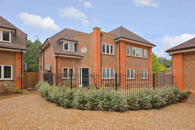 6 Bedrooms Detached House for sale in Brackenhill Close, Oxhey Drive South, Northwood, Middlesex