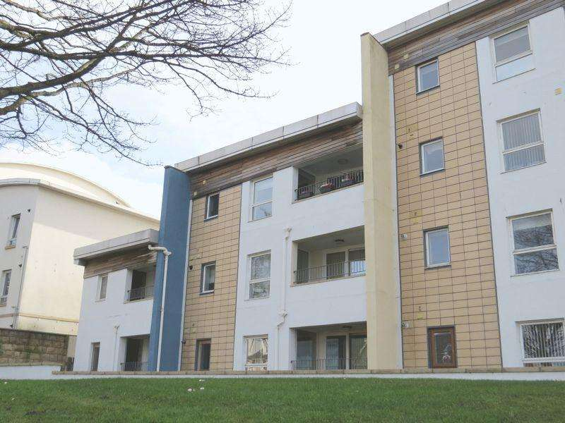 2 Bedrooms Apartment Flat for sale in 13 Harbour View, 204 New Street, Musselburgh