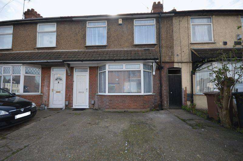 3 Bedrooms Terraced House for sale in Dunstable Road, Luton