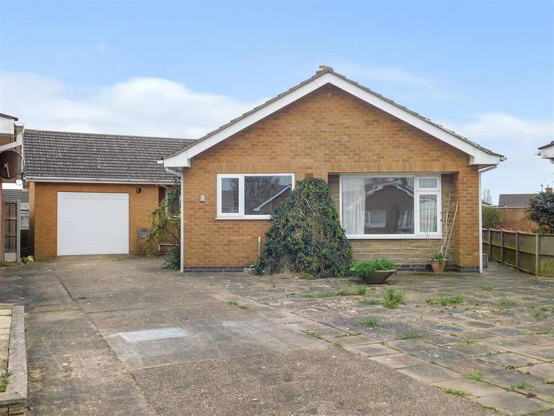 3 Bedrooms Detached Bungalow for sale in Brisbane Close, Skegness, Lincs, PE25 2JB