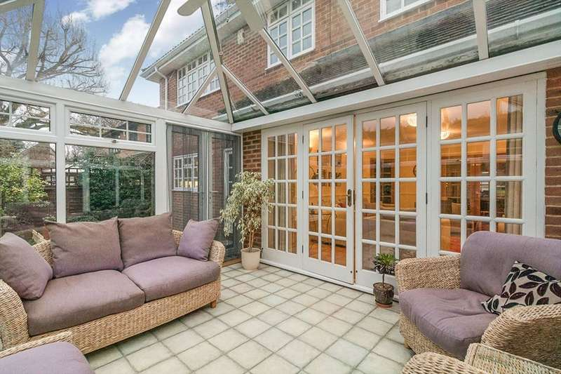 5 Bedrooms Detached House for sale in Fawkham Avenue, New Barn, DA3