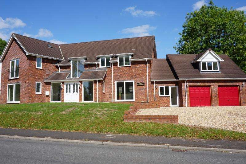 5 Bedrooms House for sale in Lynch Hill Park, Whitchurch, Hampshire RG28