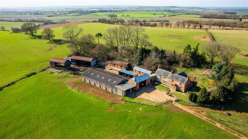 4 Bedrooms Farm House Character Property for sale in Charwelton Hill Farm, Charwelton, Daventry NN11 3YR