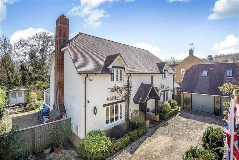 4 Bedrooms Detached House for sale in Denmans Lane, Barrington, Ilminster, Somerset, TA19