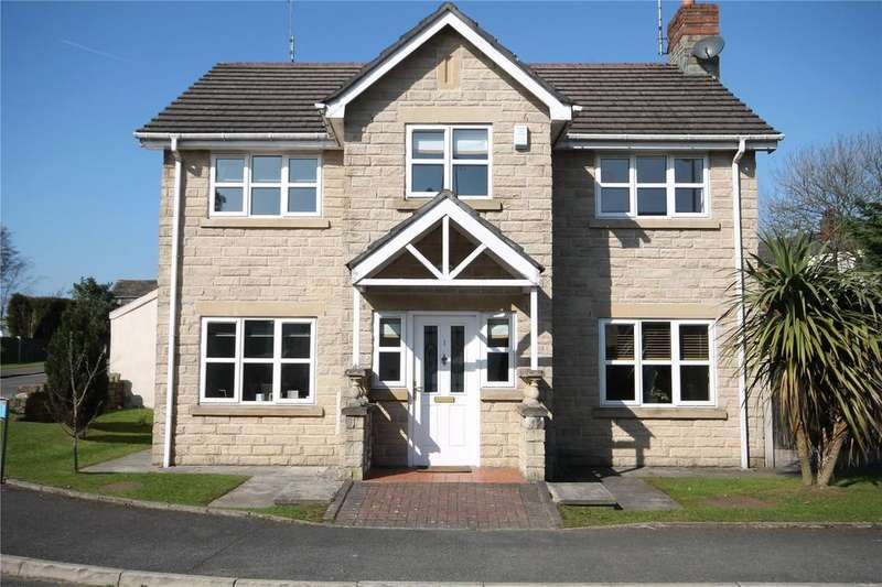 4 Bedrooms Detached House for rent in Baitings Close, Rochdale, Greater Manchester, OL12